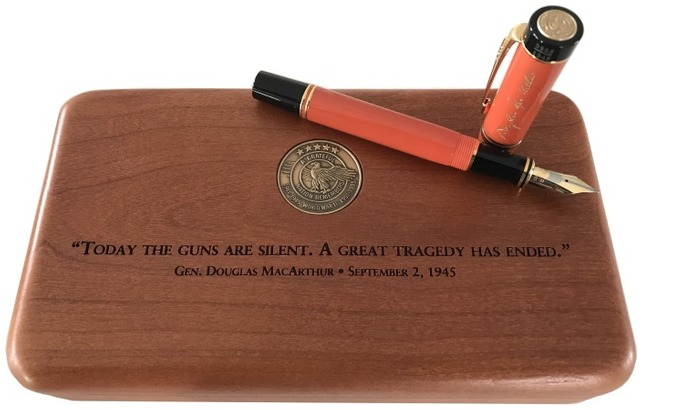 Vintage pens Fountain pen, Parker Duofold Douglas MacArthur series Orange GT